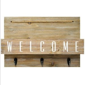 Farmhouse Welcome Sign Wall Decor & Mail Station
